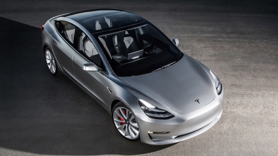 Tesla, ecco perché la Model 3 è in ritardo
