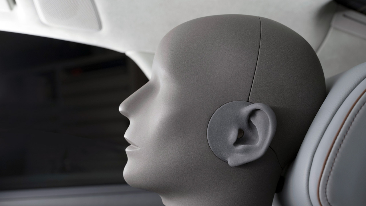 [Copertina] - Audi A8, 23 altoparlanti per un suono 3D