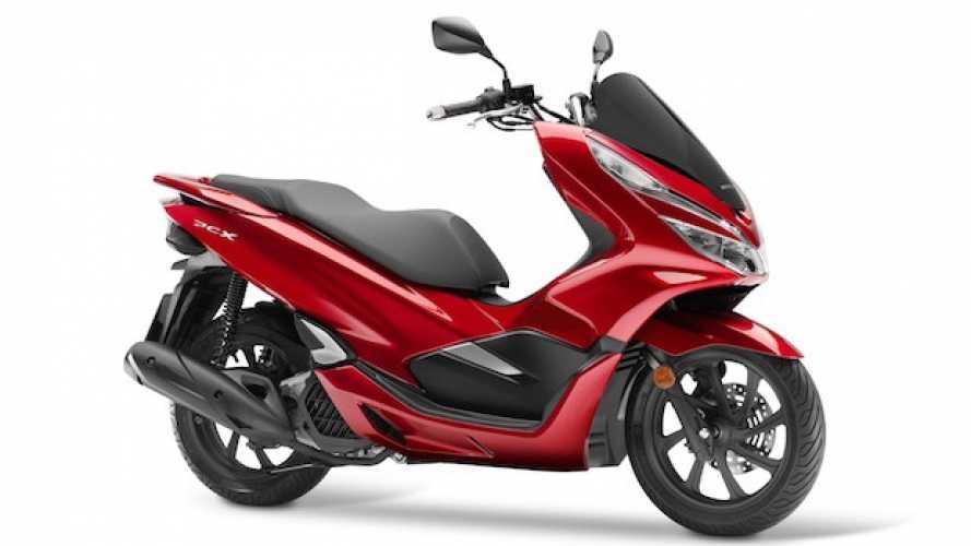 Honda PCX125 2018, lo scooter da oltre 47 km/l