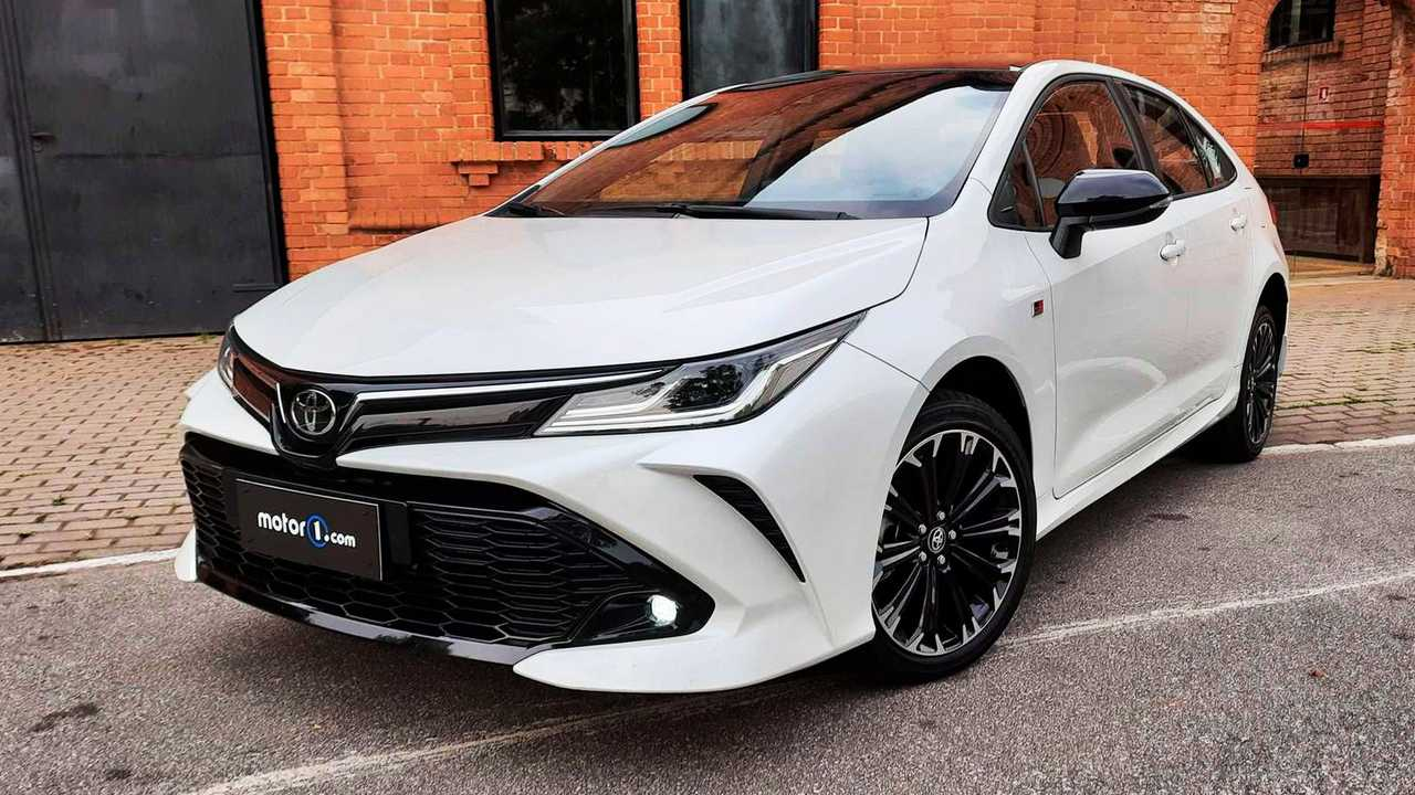 Toyota Corolla GR-S 2022 em destaque