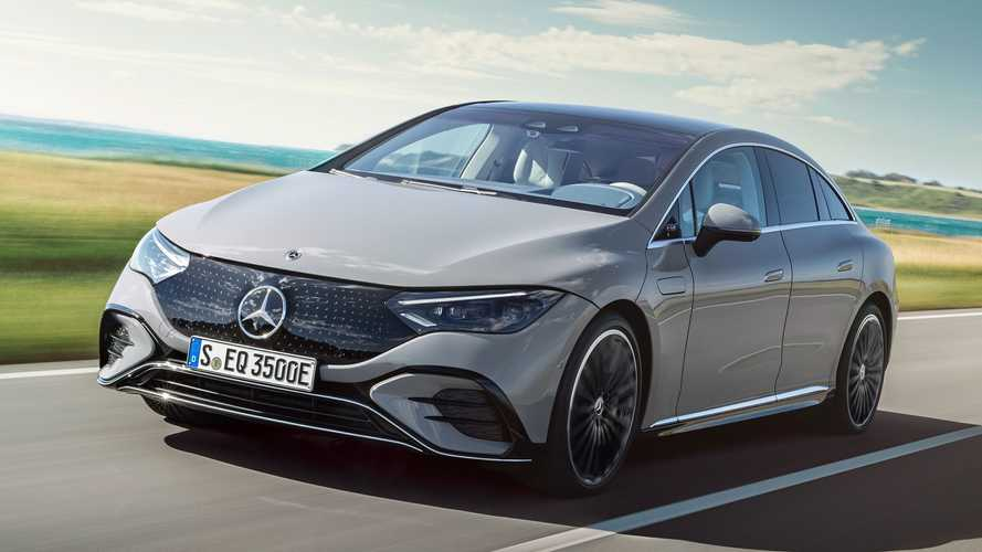 Az EQS stílusában, 288 lóerővel mutatkozott be a Mercedes-Benz EQE