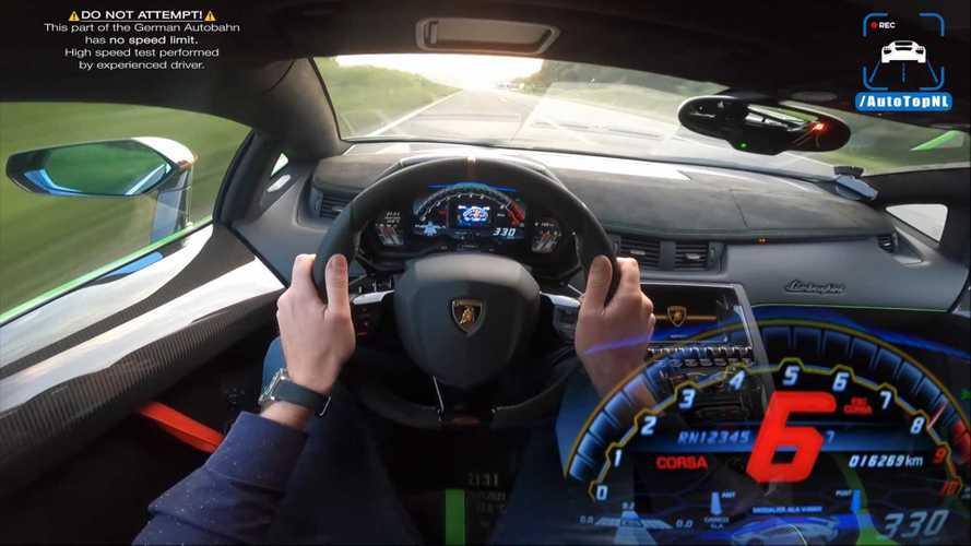 Aventador SVJ Blasts Past Traffic In High-Speed Autobahn Run