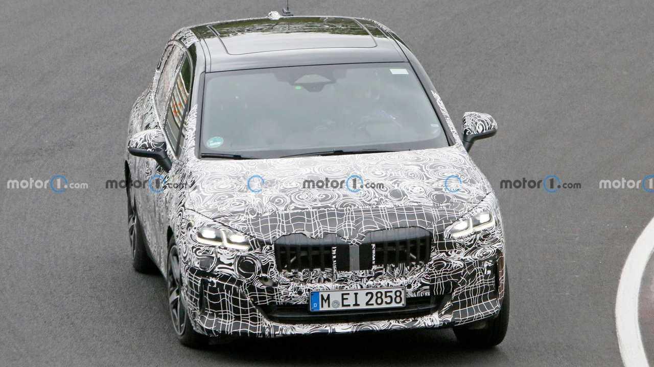 Шпионские снимки BMW 2 Series Active Tourer