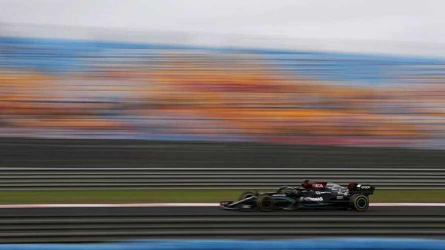 Hamilton vuela en Turquía, pero no saldrá 1º; Alonso, top 6