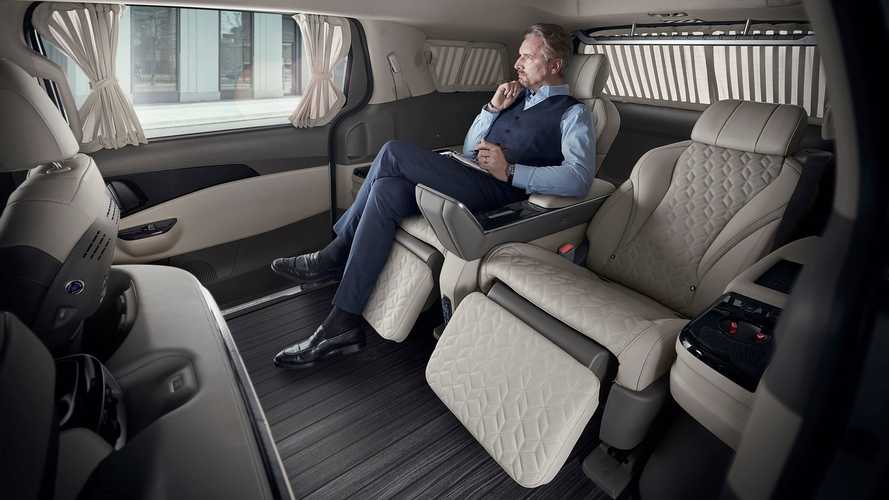 Kia Carnival Gets Luxurious Four-Seat Version With Foot Massager