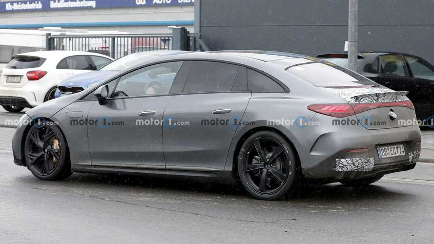 Foto Terbaru Mercedes-AMG EQE 2023