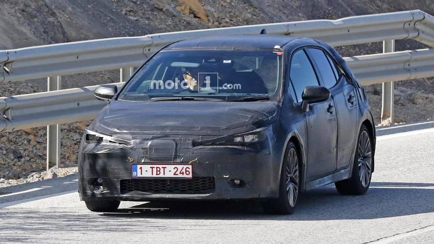 Toyota Auris 2018 fotos espía