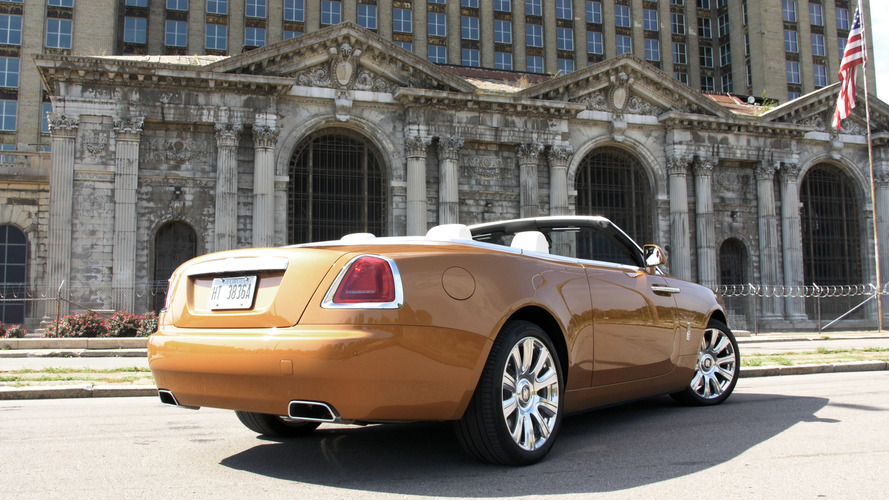 Watch us drive a Rolls-Royce Dawn through Detroit