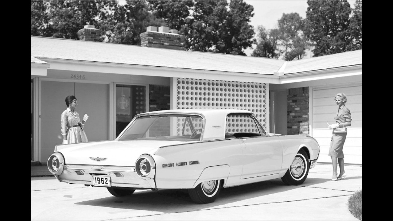 1962: Ford Thunderbird