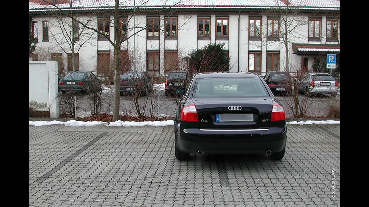 Zwei Parkplätze belegen