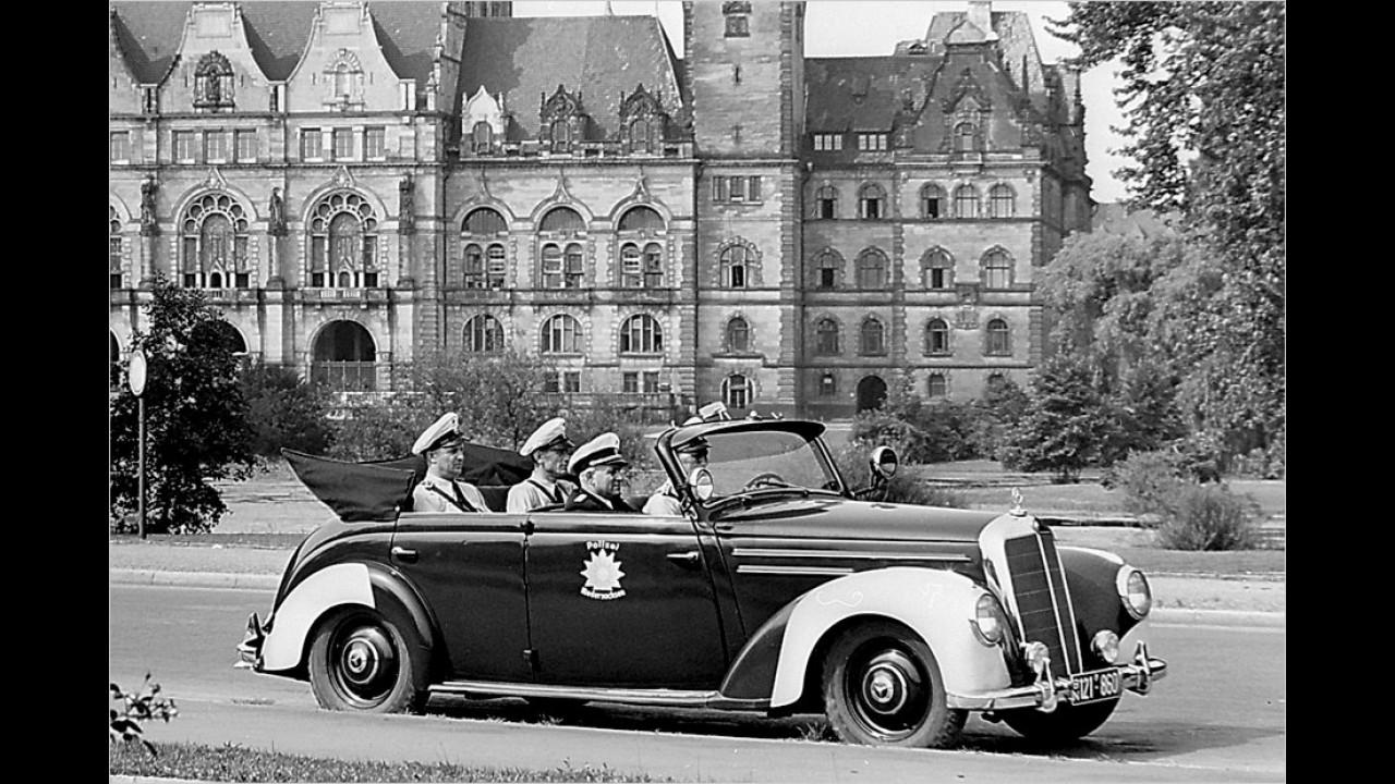 Mercedes 220 OTP Polizei-Tourenwagen (1952)