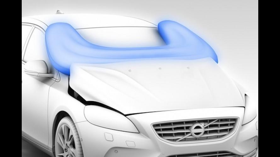 Volvo V40: Vídeos mostram funcionamento do airbag para pedestre e do Full Auto Brake