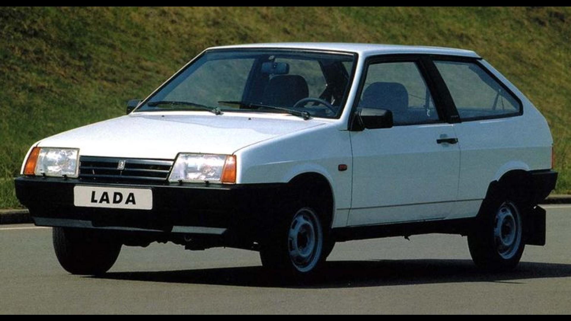 (W201): 190E Stadtwagen 1984 Carros-para-sempre-lada-samara-foi-um-dos-pioneiros-na-reabertura-das-importacoes