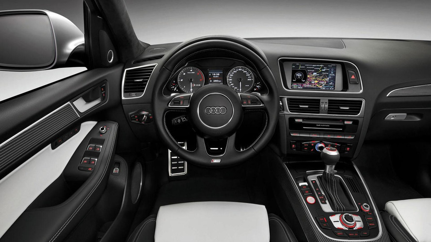 Allan McNish drives the Audi SQ5 TDI at Silverstone [video]