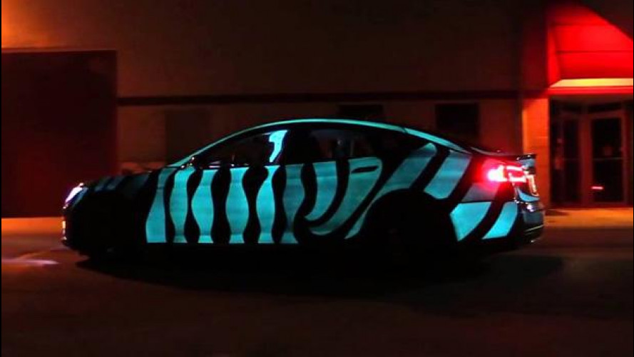 "Tesla Model S perfetta per un James Bond ecologista in ""Racing Extinction"""