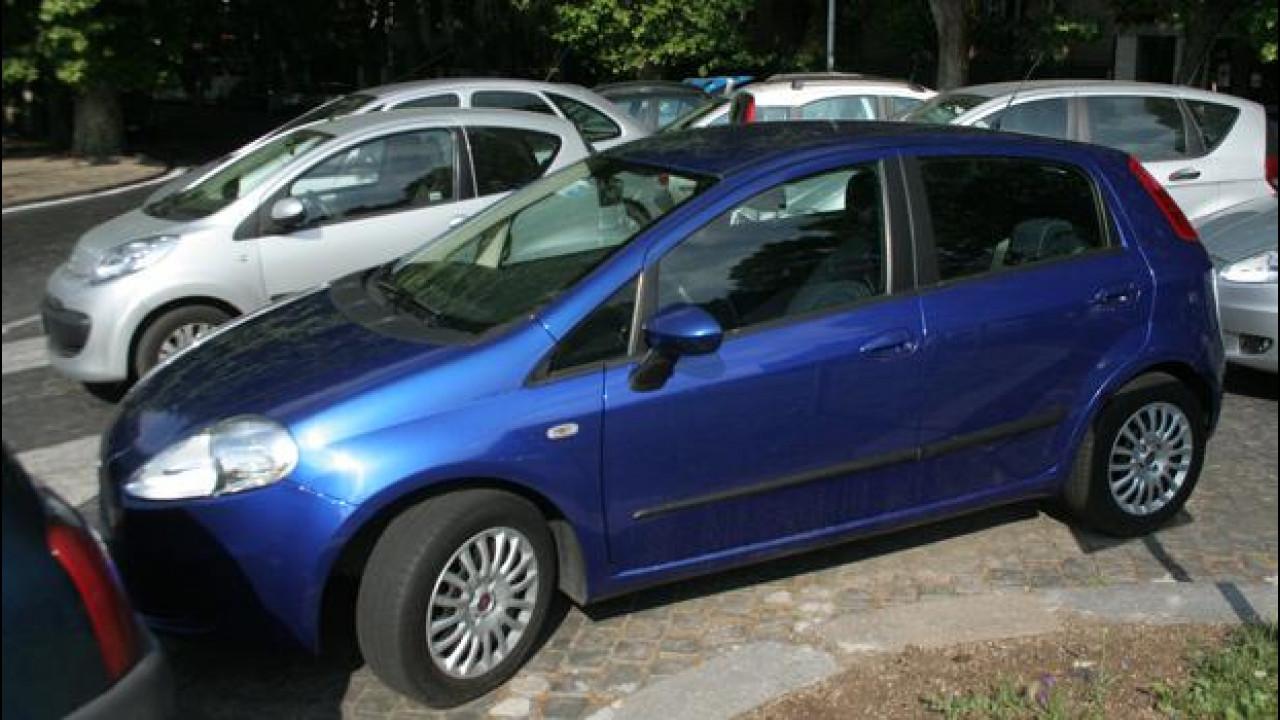 [Copertina] - Auto super vecchie in Italia, la media è di 10 anni