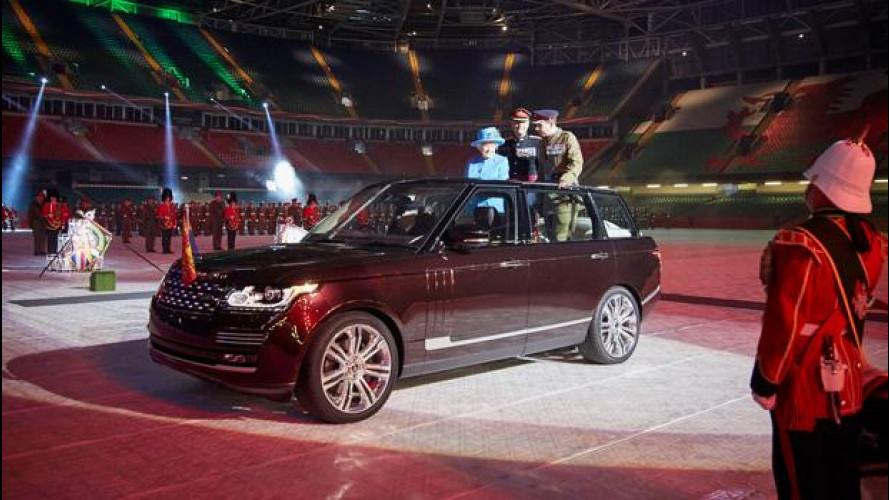 """La Range Rover Hybrid """"cabrio"""" della Regina"""