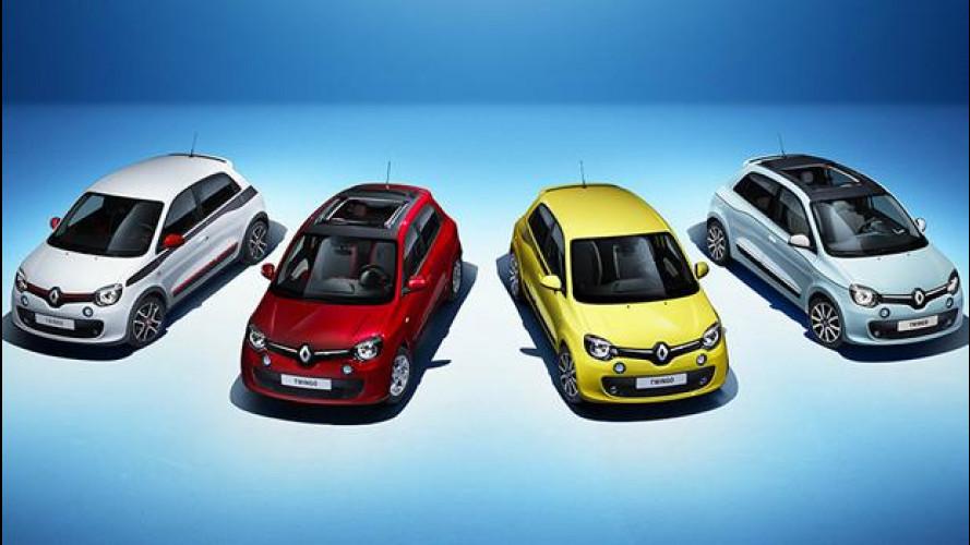 Nuova Renault Twingo, la francese che fa lo spogliarello su internet