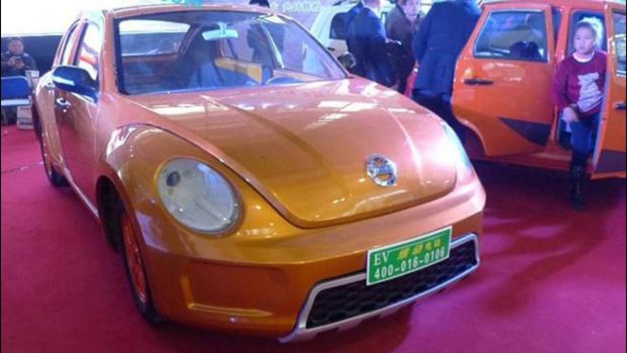 [Copertina] - Volkswagen Maggiolino, la copia cinese ha 5 porte ed è elettrica