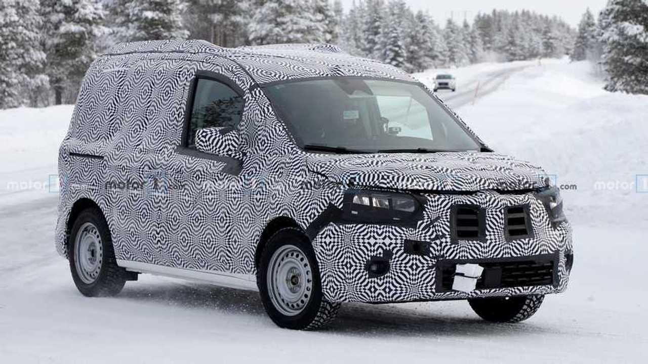 2020 Renault Kangoo yeni casus fotoğraf