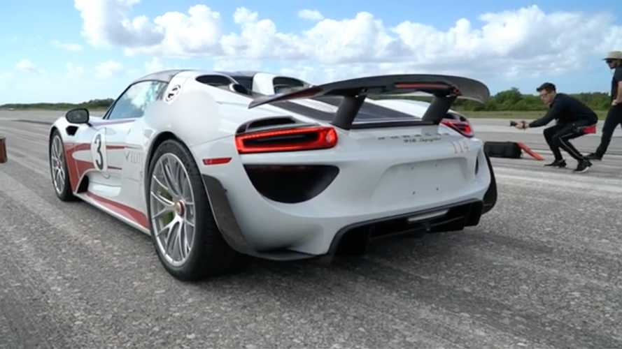 Watch Porsche 918 Spyder Achieve Maximum Velocity On 2.3-Mile Runway