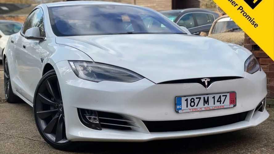Una Model S con motore TDI? Uno scherzo InsideEvs