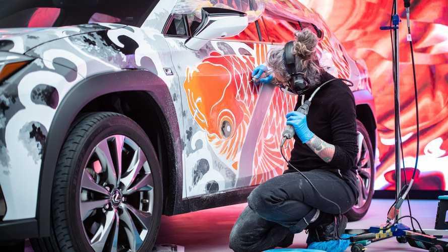 Lexus, 145.000 dollari per creare la prima auto tatuata al mondo