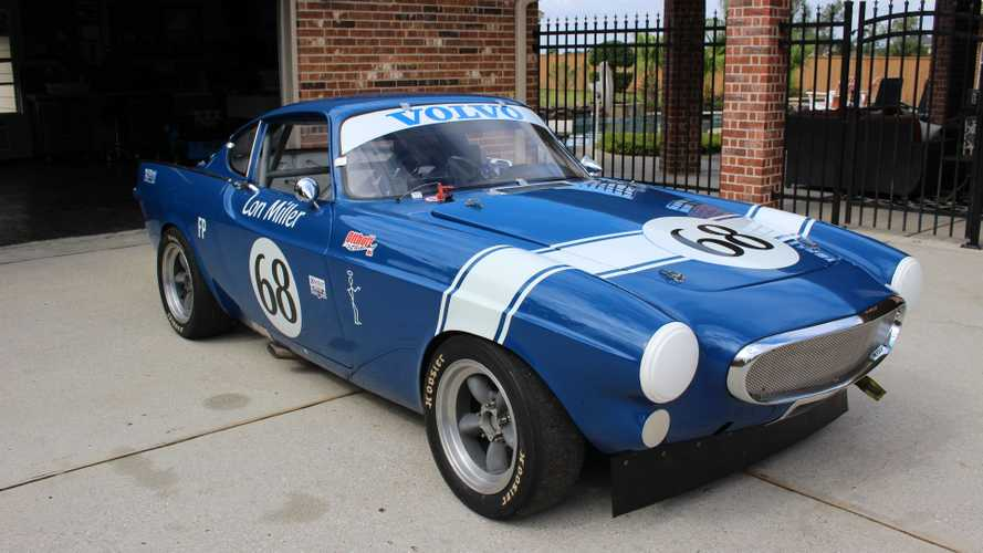 Take The Checkered Flag With A Volvo P1800S Race Car And Trailer
