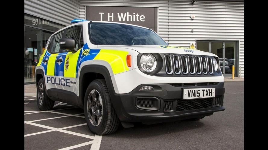 Símbolo de off-road, Jeep Renegade vira viatura de polícia na Inglaterra