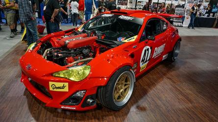 Toyota GT4586 Ferrari motorlu bir çılgınlık
