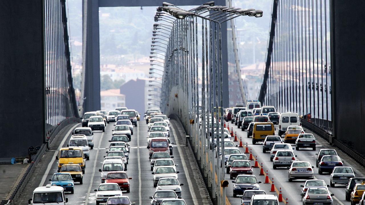 İstanbul'da trafik kurallarına uymayanlar yanacak