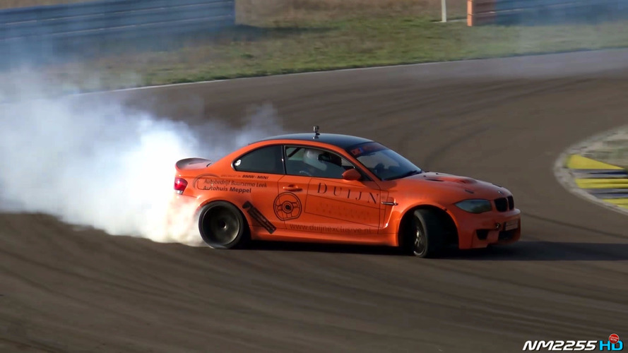 V10 BMW 1M wants to destroy all the tires