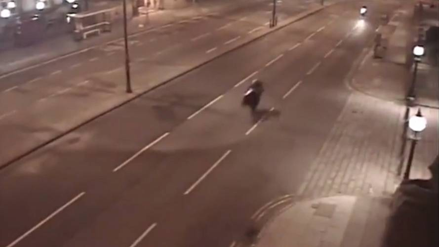 CCTV Cams Capture 90MPH Chase Through Liverpool Streets