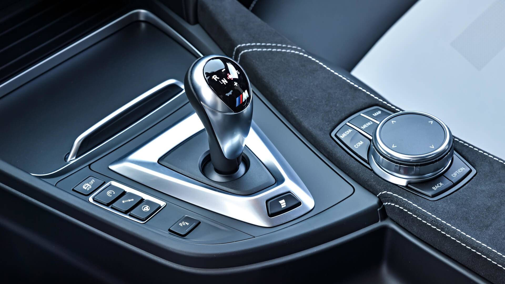 Bmw M Teaches You How To Use A Dual Clutch Gearbox