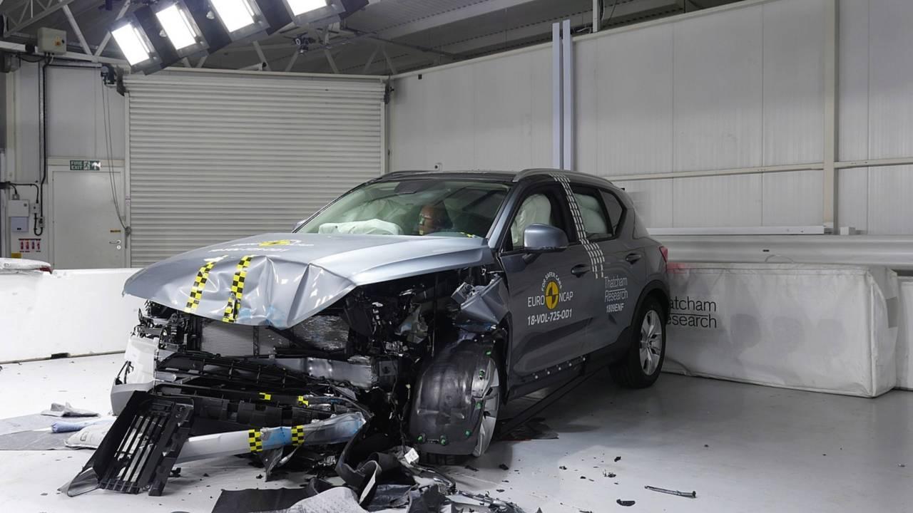 Volvo XC40 crash test Euro NCAP