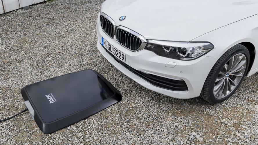 BMW, ecco la ricarica wireless per le elettriche