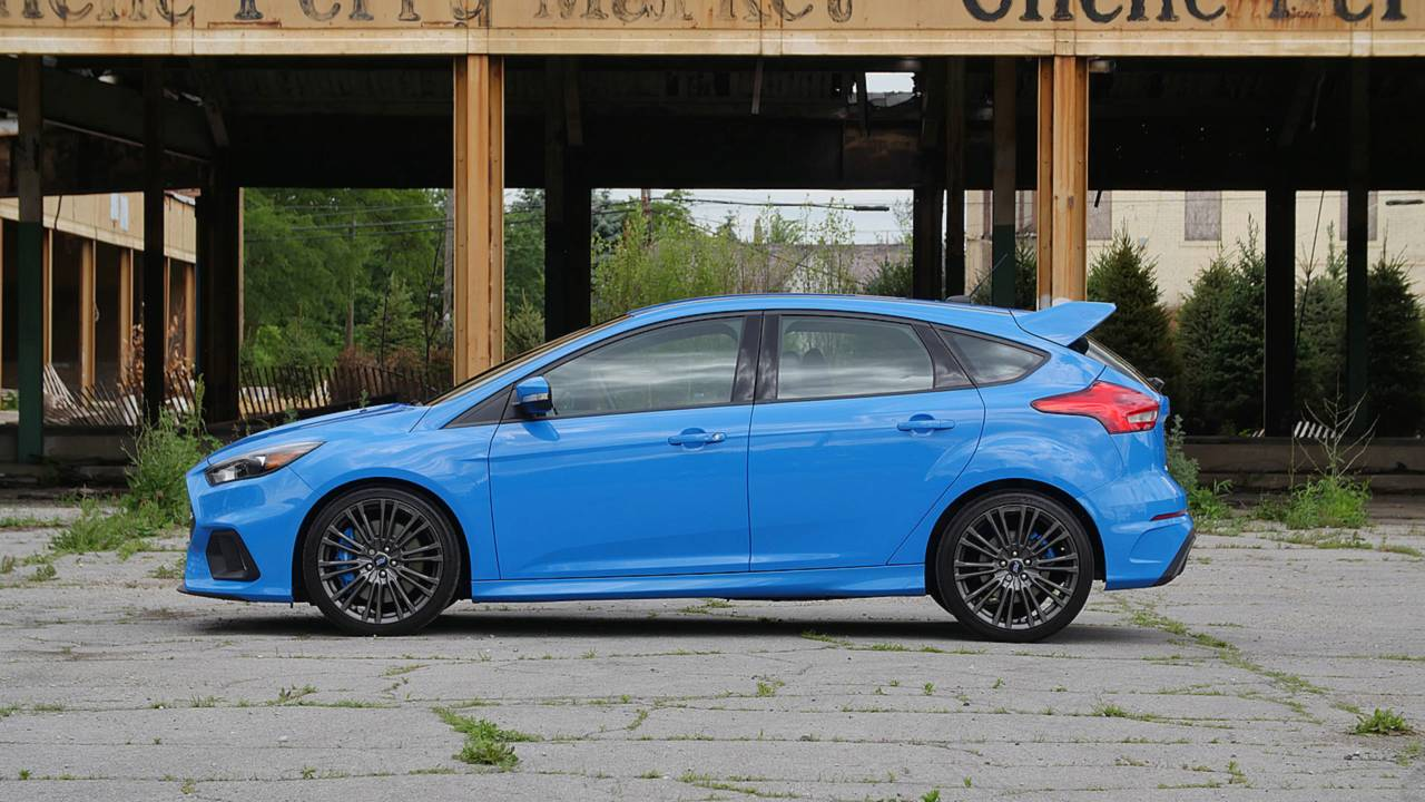 8 things we 39 ll miss about the ford focus rs. Black Bedroom Furniture Sets. Home Design Ideas