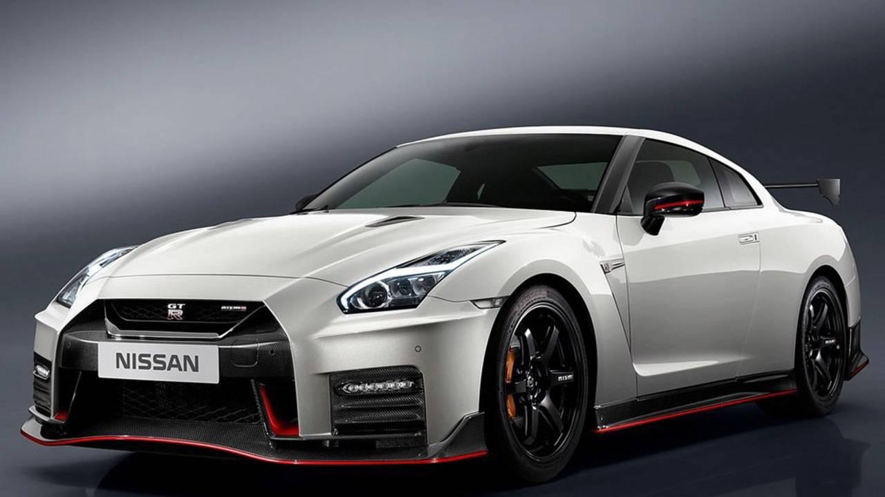 Nissan GT-R NISMO 2018 contra...