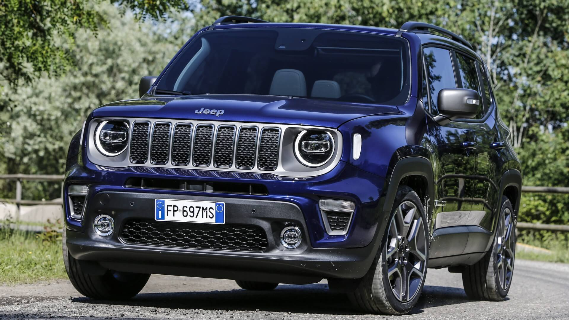 2019 Jeep Renegade Detailed In Full Including Trailhawk Trim