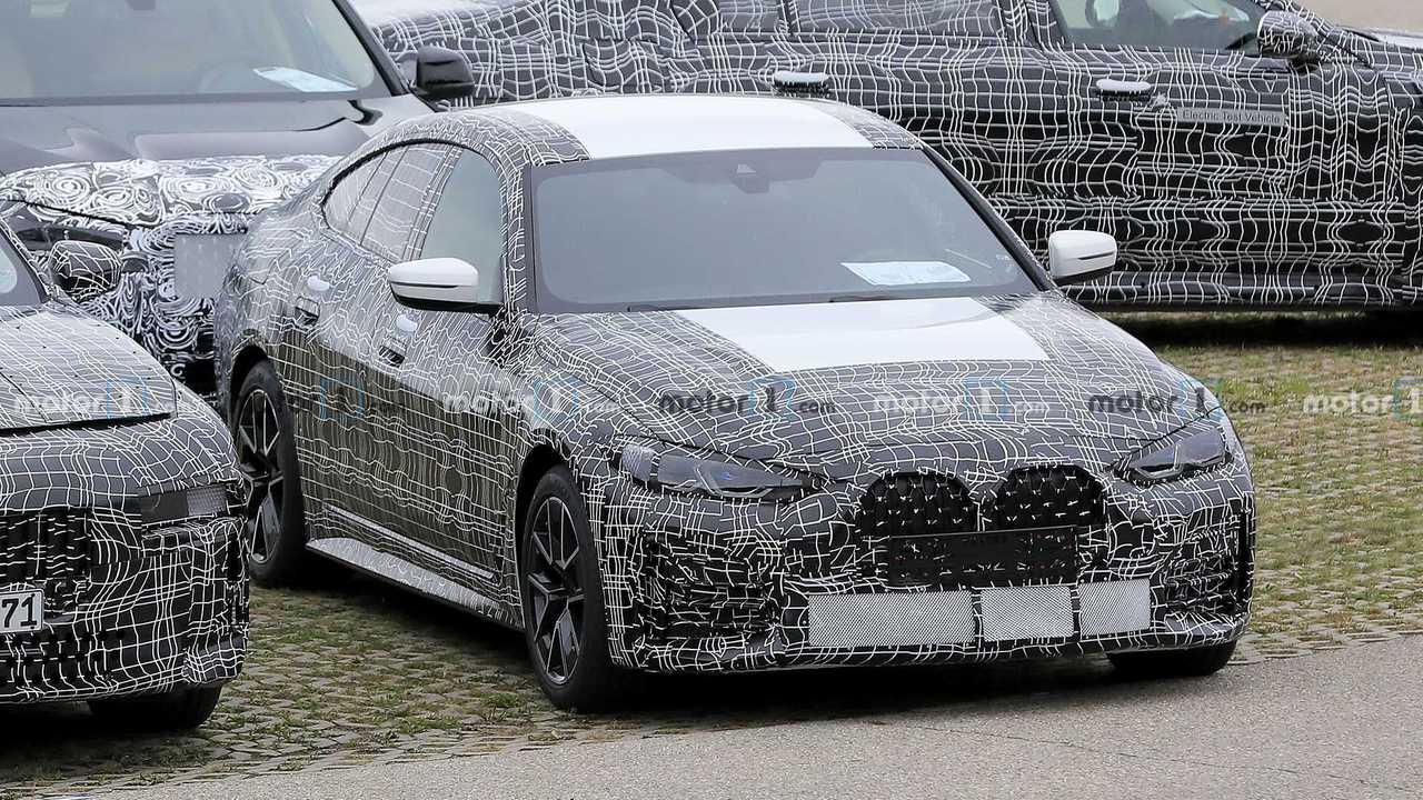 BMW 4er Gran Coupe Spy Foto vorne