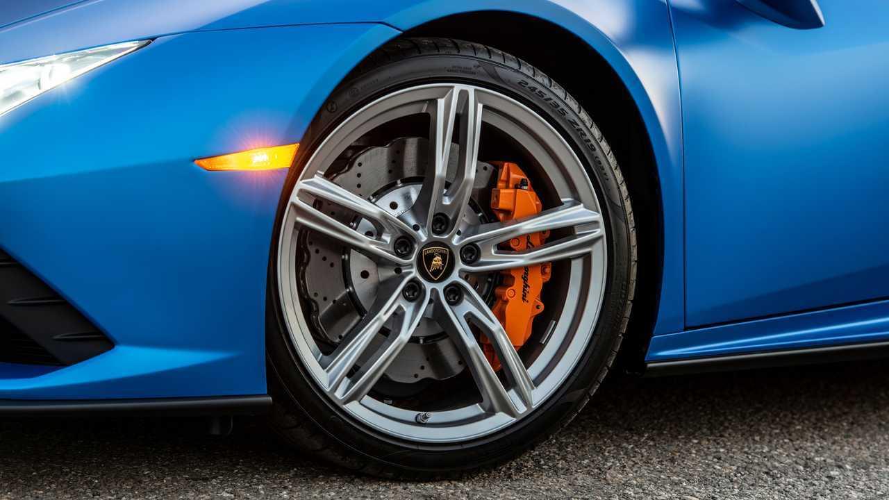 2020 Lamborghini Huracan Evo RWD wheel