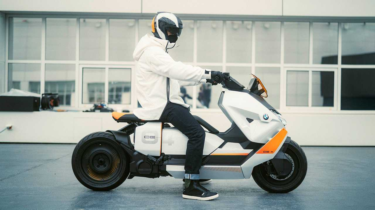 BMW Motorrad Definition CE 04 (2021) - scooter elétrico