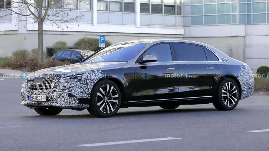 2020 Mercedes-Maybach S-Serisi, azalan kamuflajı ile karşımızda