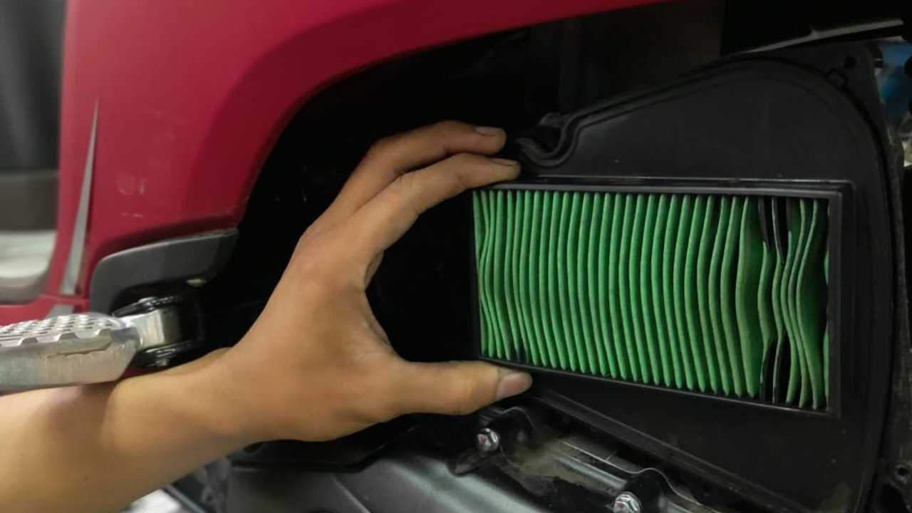 Tips membersihkan filter udara