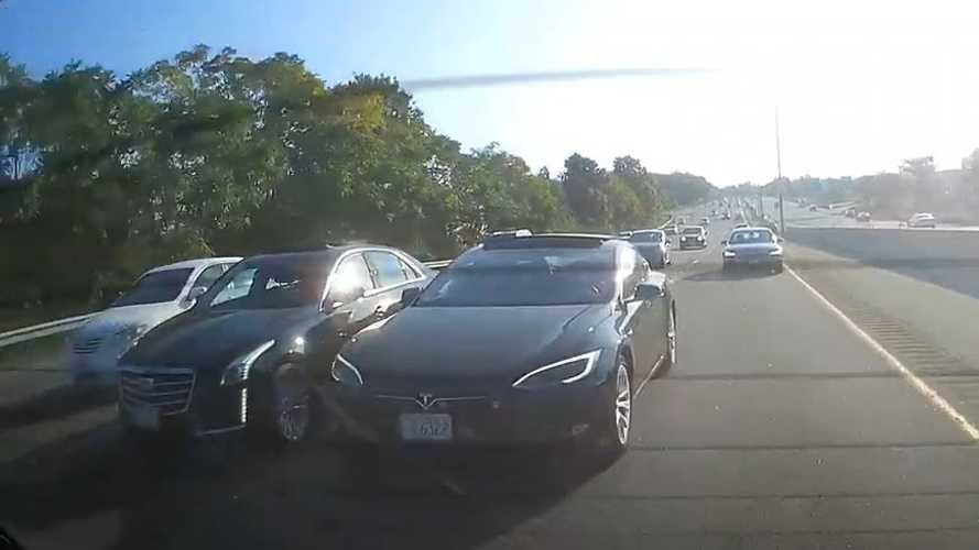Watch road-raging Tesla Model S maniac who's bound to kill someone