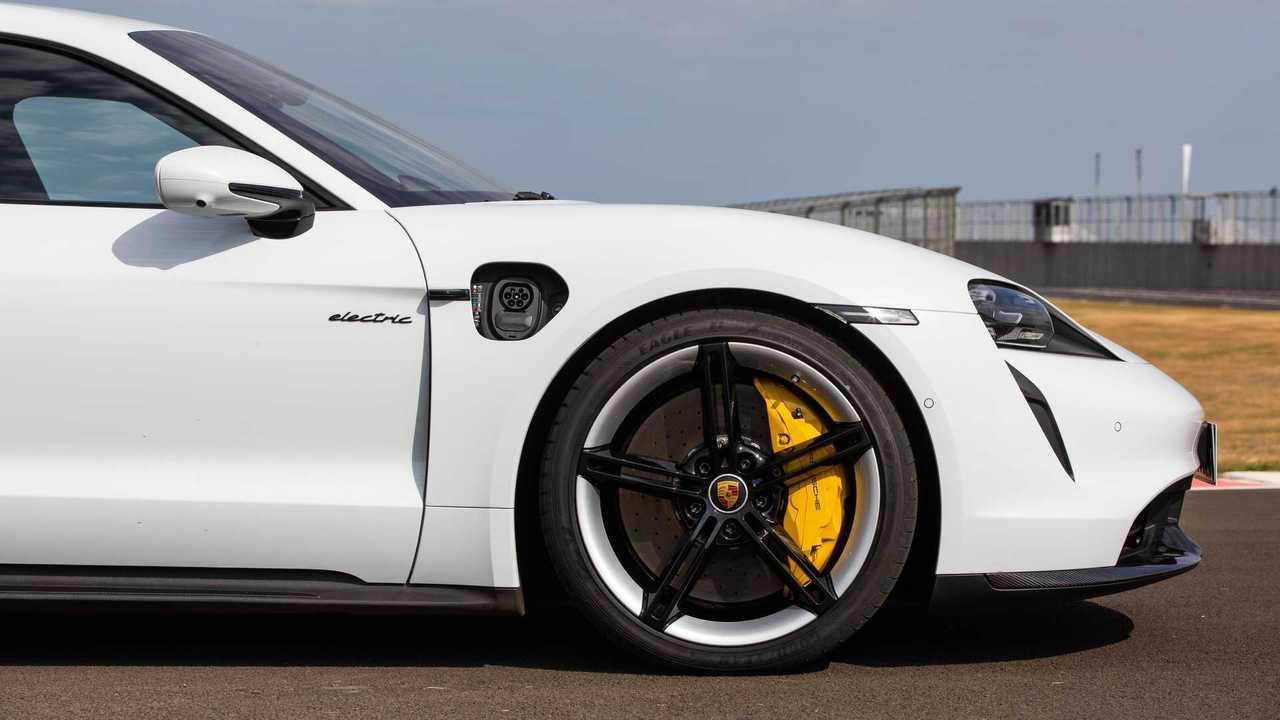 Porsche Taycan Turbo S (BR)