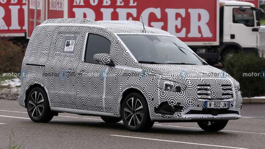 Шпионы поймали компактвэн Mercedes-Benz T-класса (12 фото)
