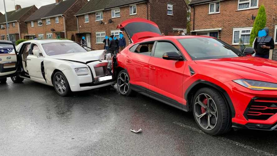 Rolls-Royce Ghost Driver Flees Scene After Crashing Into Lamborghini