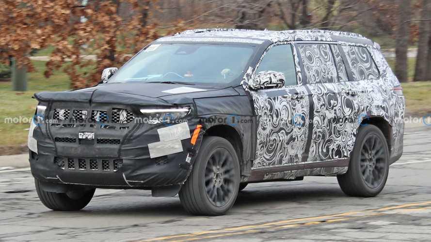 Jeep Grand Cherokee 3 Row Spy Shots
