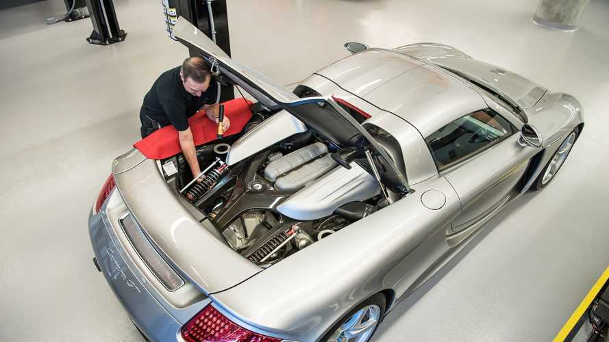Porsche Keeps Disassembling This Carrera GT